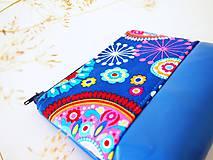 Taštičky - Kozmetická taštička malá - mandaly so sýto-modrou - 7657238_