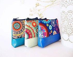 Taštičky - Kozmetická taštička malá - mandaly so sýto-modrou - 7657241_