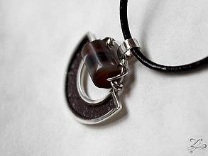 Šperky - Pánsky polkruhový strieborný prívesok  SardÓnyx - 7659098_
