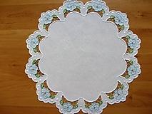 Vyšívané prestieranie - richelieu - biela, priemer 44 cm