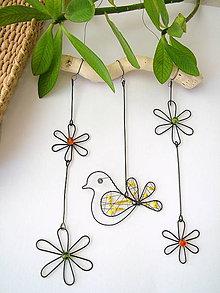Dekorácie - jarná dekorácia s vtáčikom - 7661566_