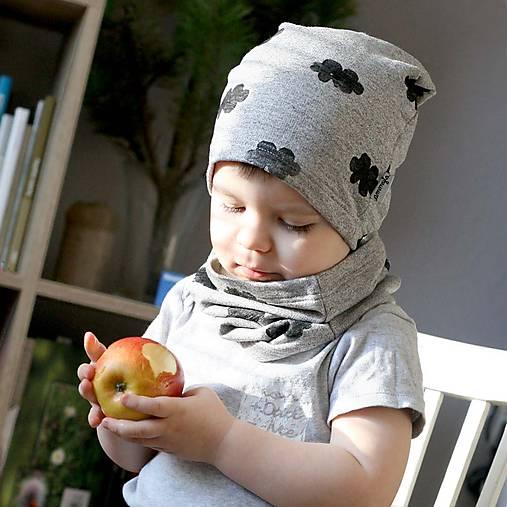 Detské čiapky - Čiapka s nákrčníkom (Svetlošedá s obláčikom) - 7661595_
