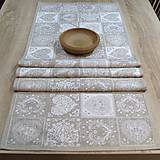 - Ornamenty v srdiečkach - stredový obrus 133x43 - 7664562_
