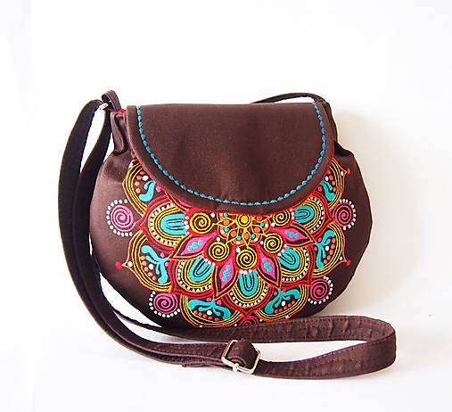 Malá hnedá kabelka s farebnou mandalou   DARTASKA - SAShE.sk ... 2a6e41a7a12