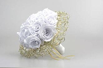 Kytice pre nevestu - Saténová svadobná kytica biela ruže - 7665763_