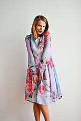 Šaty - Hodvábne kvetované šaty - zľava - 7668491_