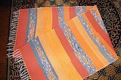 - Tkaný koberec oranžovo-sivý 1 - 7672244_