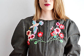 Kabáty - Bundička s bohatou výšivkou fauny a flóry - 7677347_
