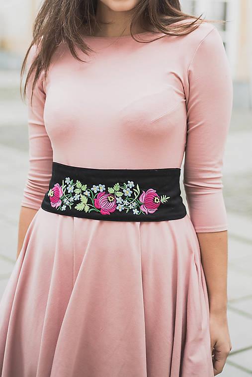 Opasky - Vyšívaný pásek Růžové květiny - 7681683_