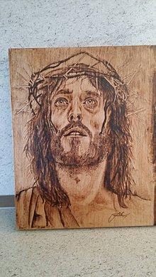 Obrazy - Portrét Ježiša ručne vypálený do dreva - 7681801_