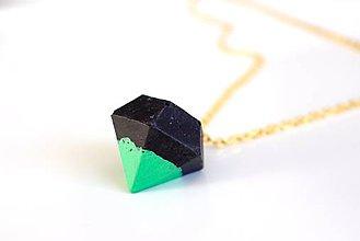 Náhrdelníky - Betónový diamant black/green - 7682716_