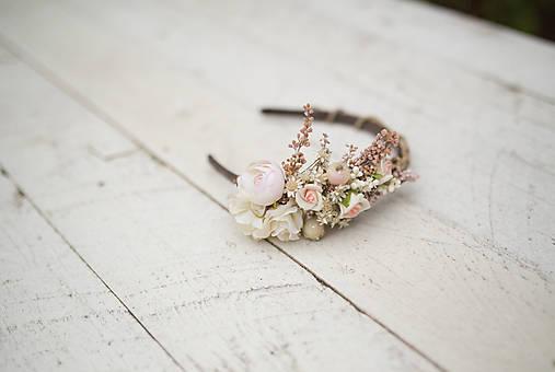 Kvetinová čelenka