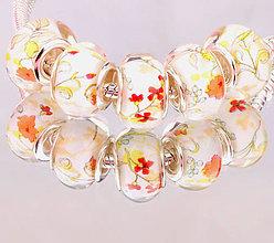 Korálky - Elegantná korálka na PANDORA náramok - drobné kvety - 7688547_