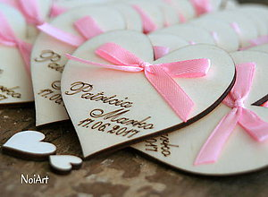 Darčeky pre svadobčanov - Svadobné magnetky srdiečko s mašličkou - 7694220_
