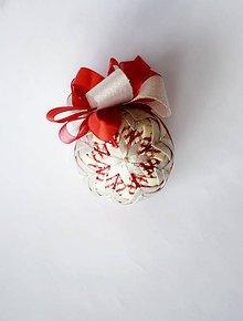 Dekorácie - Vianočná guľa ... Vianočná láska 3 - 7694289_