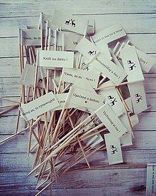 Darčeky pre svadobčanov - Vtipné tematicke vlajocky do zákuskov - 7694676_