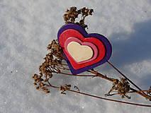Odznaky/Brošne - Drevené brošne Srdce dúhy (Fialová) - 7701068_