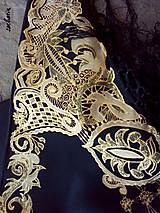 Šatky - V ten večer...-luxusná hodvábna šatka s maľovanou zlatou krajkou - 7700598_