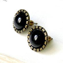 Náušnice - Vintage Natural Black Tourmaline Stud Earrings / Puzetkové náušnice v starobronzovom prevedení s pravým čiernym turmalínom - 7705074_
