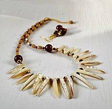 Sady šperkov - Náhrdelník a náušnice z prírodnej perlete - 7705285_