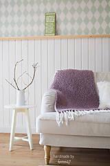 Úžitkový textil - Pletená deka ... starofialka so strapcami - 7707815_