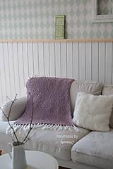 Úžitkový textil - Pletená deka ... starofialka so strapcami - 7707837_