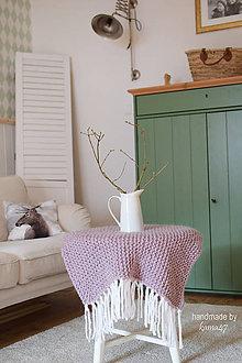 Úžitkový textil - Pletená deka ... starofialka so strapcami - 7707859_