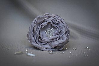 Ozdoby do vlasov - Sivé kvety s perlami - 7708362_