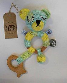 Hračky - Hrkálka Macoo - pastelová žltá, zelená, modrá - 7706766_