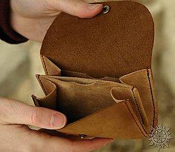 Peňaženky - Malá kožená peňaženka III. - 7709100_
