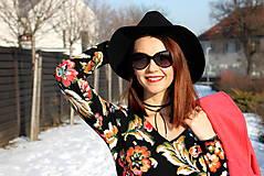 Šaty - Úpletové šaty kvetované - 7708891_