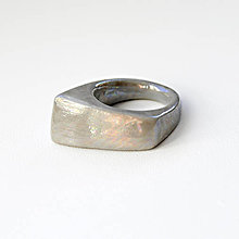 Prstene - Prsteň sivý / RING RING perleťový vzhled - 7705912_