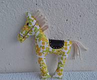 Hračky - koník s koženkovým sedielkom - 7714155_