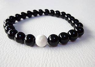Šperky - Pánsky náramok: onyx - čierný achát a magnezit - 7716318_