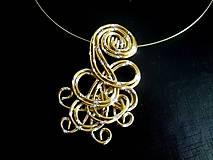 -   náhrdelník s diamantovým efektom - zlaté - 7715308_