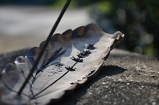 Stojánek na vonnou tyčinku...levandulový