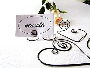 Darčeky pre svadobčanov - ♥ stojan ♥ na menovky - 7715279_