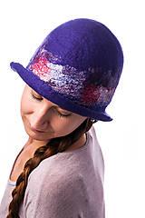Čiapky - Dámsky vlnený klobúk, Cloche, ručne plstený z merino vlny, modrý, hodvábny detail - 7719083_