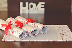 Úžitkový textil - Krásny obrus s podnosmi na stôl - 7721234_