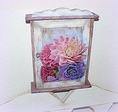 """Nábytok - Skrinka na klúče """"Ružové a fialové kvetinky"""" :) - 7718723_"""