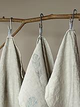 Úžitkový textil - Set troch ľanových utierok s ručnou potlačou pierok - 7724892_