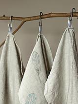 Úžitkový textil - Set troch ľanových utierok s ručnou potlačou pierok - 7724893_