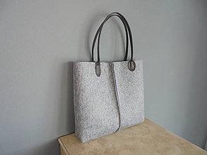 Kabelky - Filcová kabelka s koženkovými ramienkami - 7729251_
