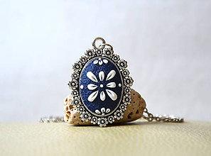 Náhrdelníky - Folk náhrdelník - modrý kvietkovaný - 7739823_