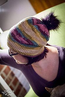 Čiapky - Farebná čiapka s brmbolcom - 7739668_