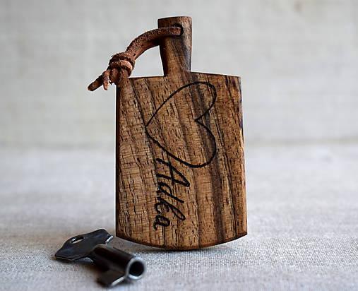 Kľúčenka z orechového dreva s menom   woodartAM - SAShE.sk ... 00e7fd7acfd