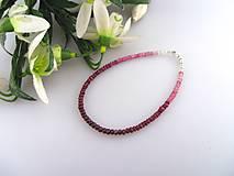 rubín brúsený náramok (rubín multicolor)