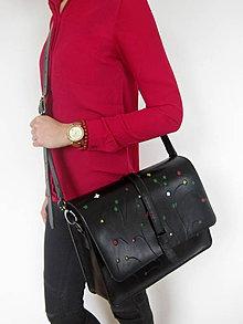 Kabelky - Čierna kožená kabelka s kvetinovým vzorom - 7736248_