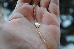 Náramky - Náramok so srdiečkom zlatý - 7743396_