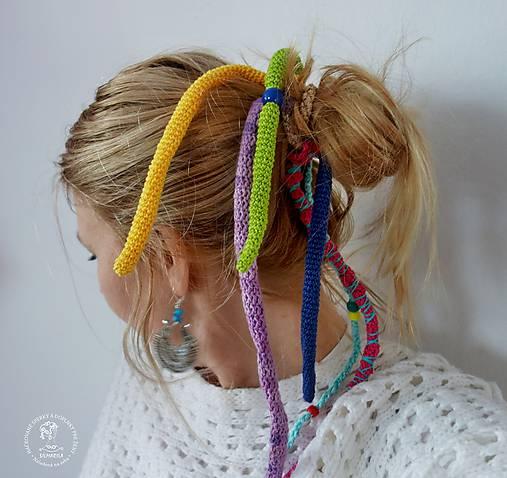 Háčkované dredy na gumičke do vlasov   SILMARILA - SAShE.sk - Handmade  Ozdoby do vlasov 81f7e0e559